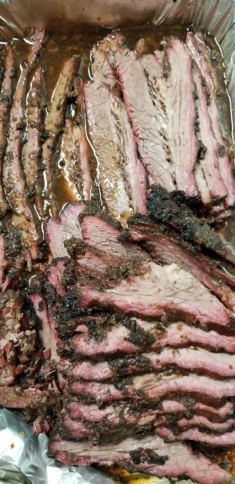 Hanks Smokin Hot BBQ & Catering Company | restaurant | 4865 US-209, Elizabethville, PA 17023, USA | 7173952291 OR +1 717-395-2291