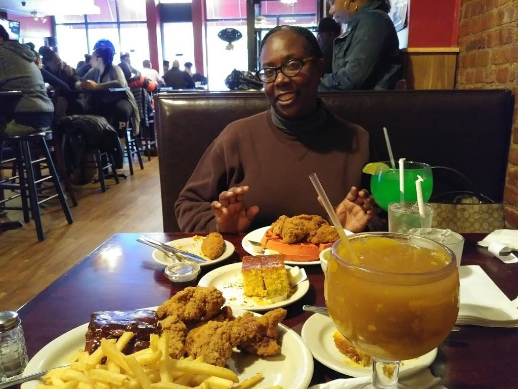 Harlem Bar-B-Q | restaurant | 2367 Frederick Douglass Blvd, New York, NY 10027, USA | 2122221922 OR +1 212-222-1922