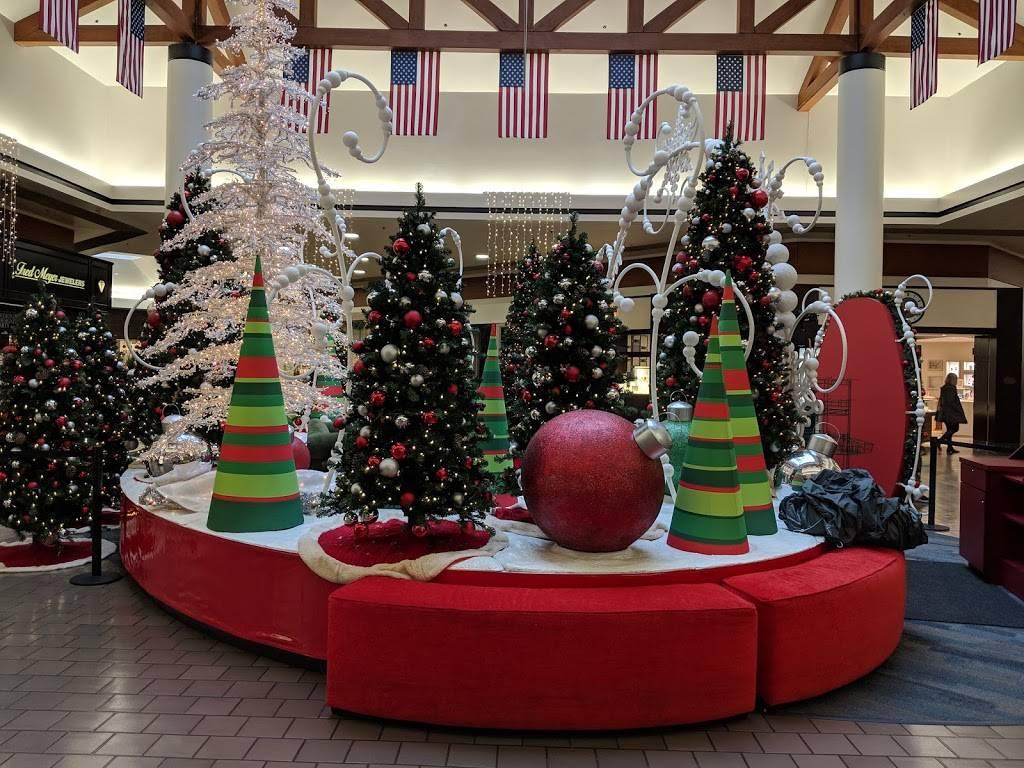 Kitsap Mall   shopping mall   10315 Silverdale Way NW, Silverdale, WA 98383, USA   3606982555 OR +1 360-698-2555