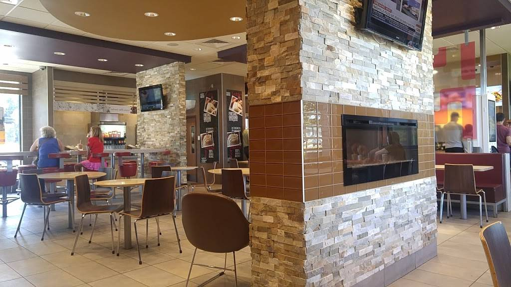 McDonalds | cafe | 1015 10th St W, Owen Sound, ON N4K 5S2, Canada | 5193713363 OR +1 519-371-3363
