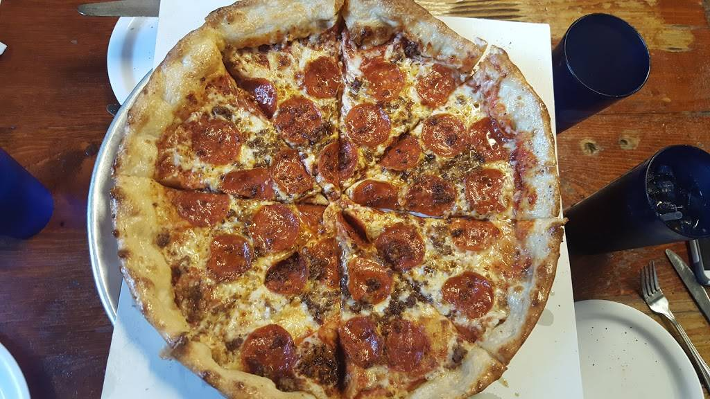Fergies Pizza, LLC | meal delivery | 402 S Main St, Standish, MI 48658, USA | 9898469597 OR +1 989-846-9597