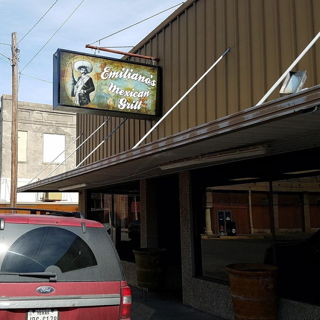 Mi Tierra | restaurant | 401 Lott St, Yoakum, TX 77995, USA | 3612937603 OR +1 361-293-7603