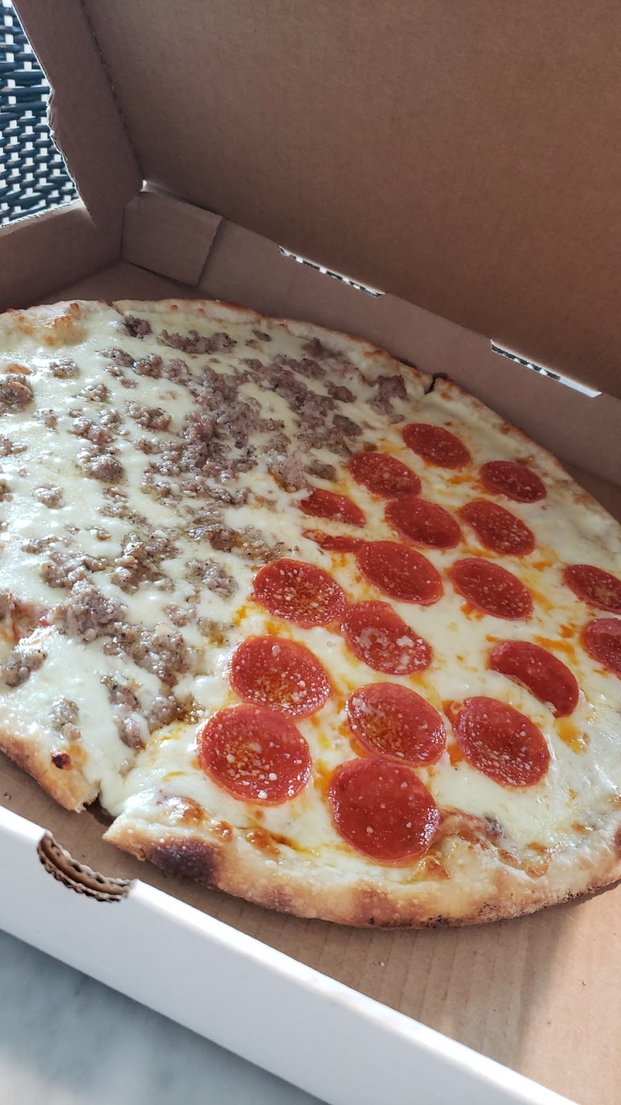 Viola & Dots Italian Kitchen & Pizzeria | restaurant | 1390 NW 80th Ave, Ocala, FL 34482, USA | 3524147877 OR +1 352-414-7877