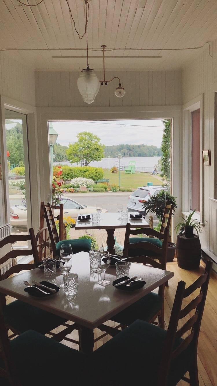 La Belle Histoire | restaurant | 75 Chemin Masson, Sainte-Marguerite-du-Lac-Masson, QC J0T 1L0, Canada | 4502281595 OR +1 450-228-1595
