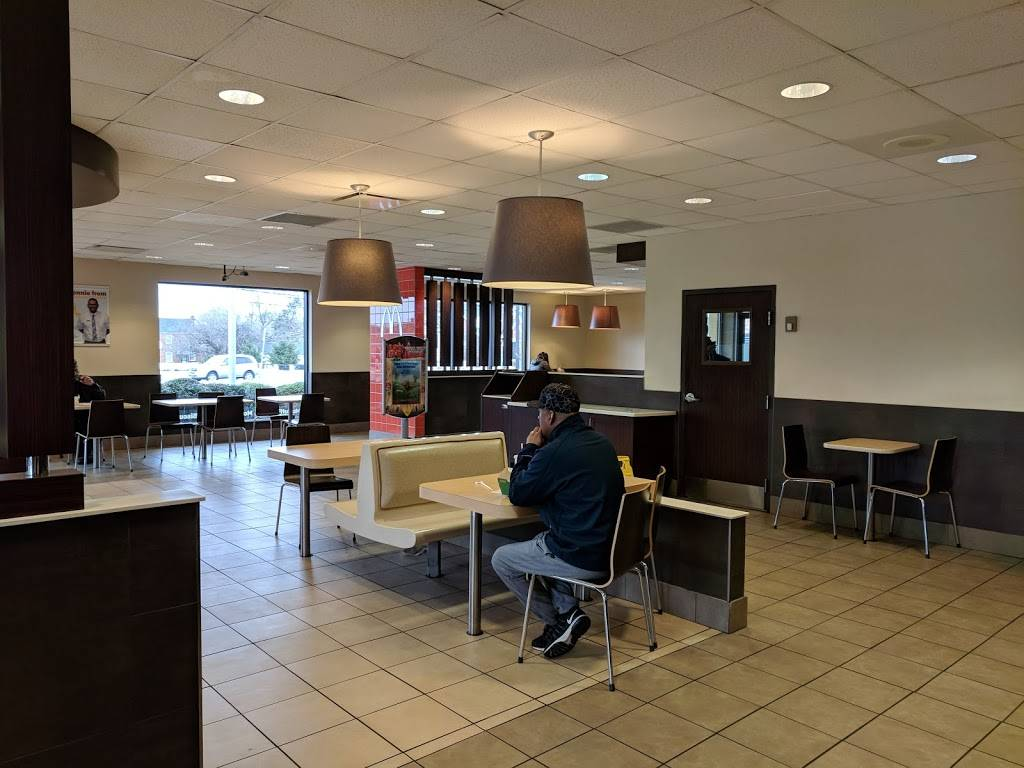 McDonalds | cafe | 4835 Silver Hill Rd, Suitland-Silver Hill, MD 20746, USA | 3017351683 OR +1 301-735-1683
