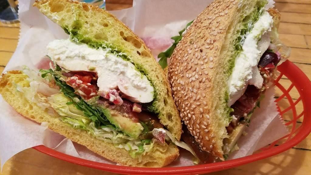 Mekelburgs   restaurant   293 Grand Ave, Brooklyn, NY 11238, USA   7183992337 OR +1 718-399-2337