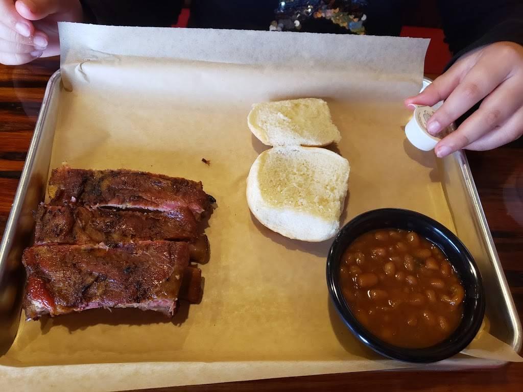 Tubbys Q and Smokehouse | restaurant | 5740 7th St, Zephyrhills, FL 33542, USA | 8137886500 OR +1 813-788-6500