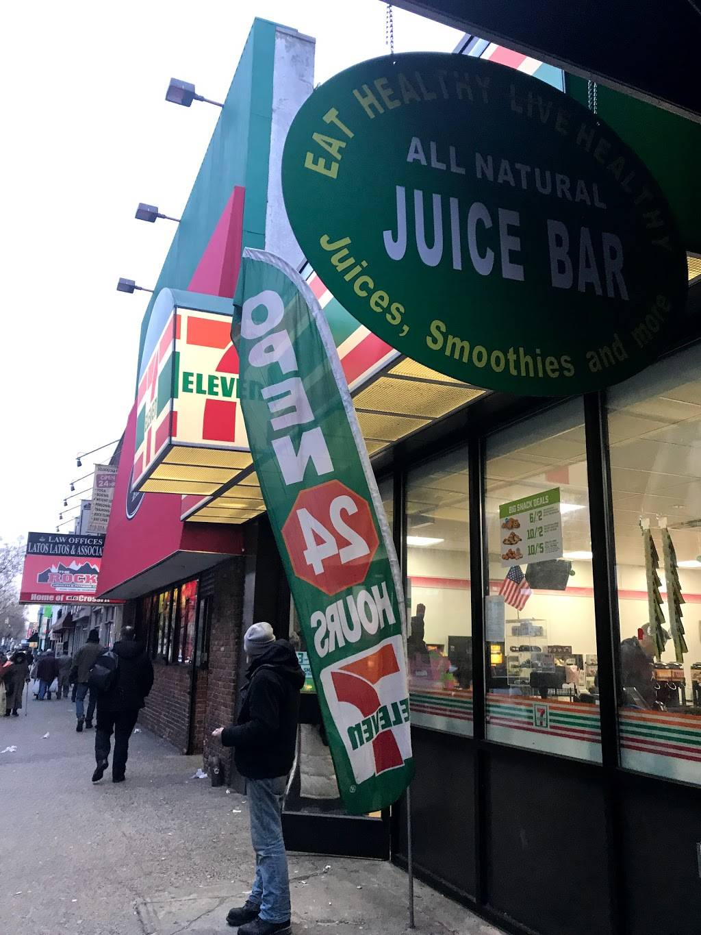 7-Eleven | bakery | 22-29 31st St, Queens, NY 11105, USA | 7189320108 OR +1 718-932-0108