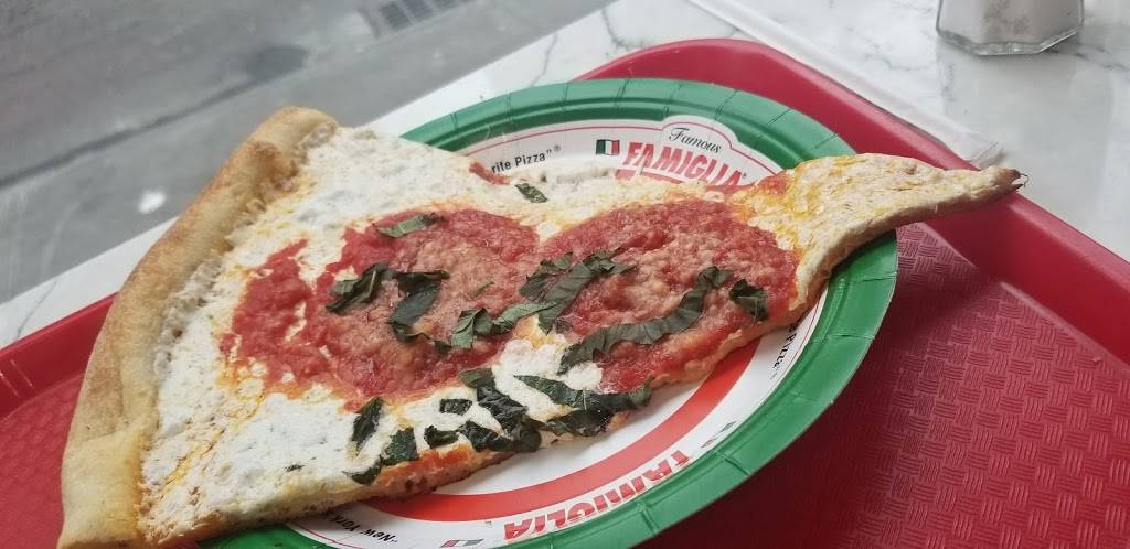 Famous Famiglia Pizza | restaurant | 1398 Madison Ave, New York, NY 10029, USA | 2129969797 OR +1 212-996-9797