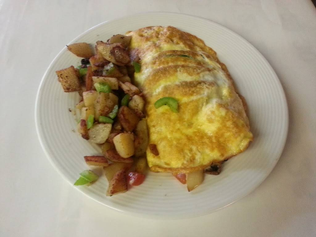 City Lunch Restaurant   restaurant   2101 Ingalls St, San Francisco, CA 94124, USA   4158225530 OR +1 415-822-5530