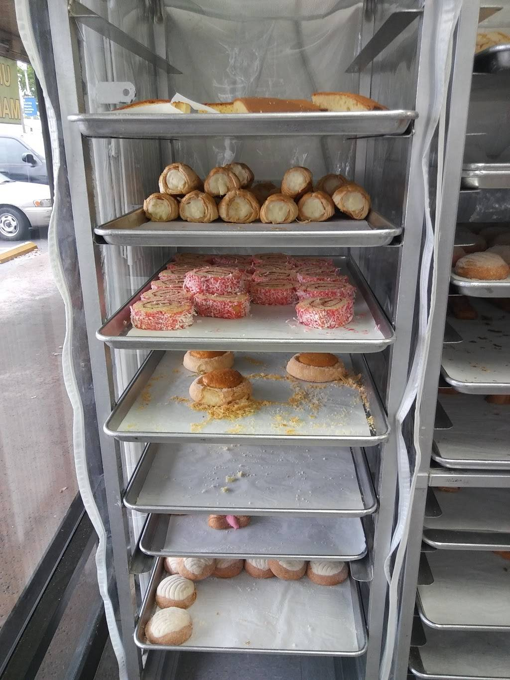 Panaderia La Pequeña | bakery | 888 W Lincoln Ave, Anaheim, CA 92805, USA | 7148178254 OR +1 714-817-8254