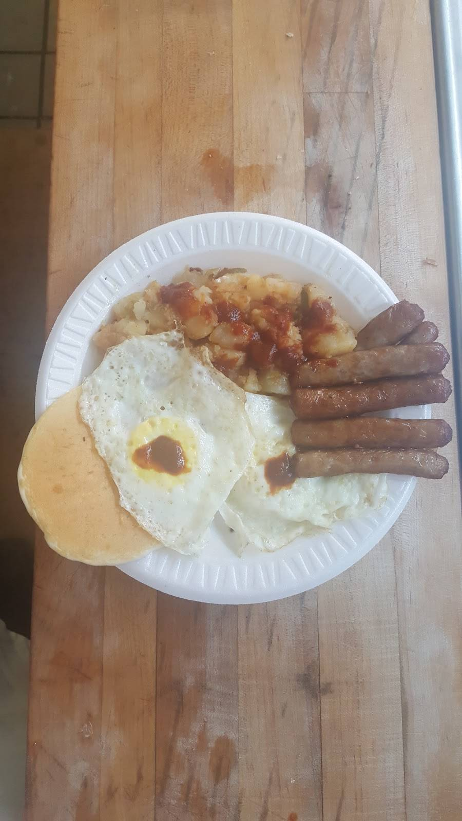 Hunter Delicatessen | meal takeaway | 966 Lexington Ave # 1, New York, NY 10021, USA | 2124397758 OR +1 212-439-7758