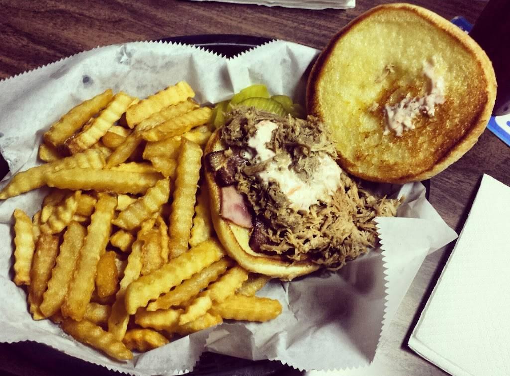 J & B Bar | restaurant | 203 9th St, Sheldon, IA 51201, USA | 7123244481 OR +1 712-324-4481