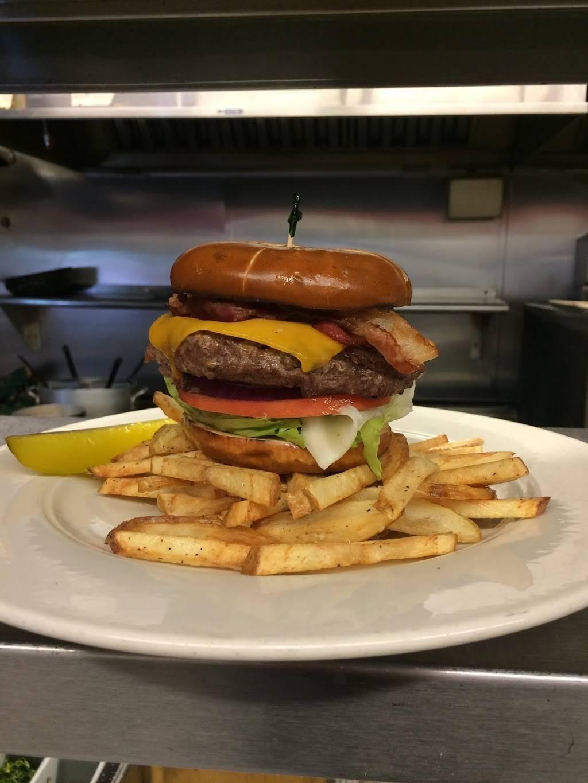 Danas Grillroom | restaurant | 2343 Boston Rd, Wilbraham, MA 01095, USA | 4135991846 OR +1 413-599-1846