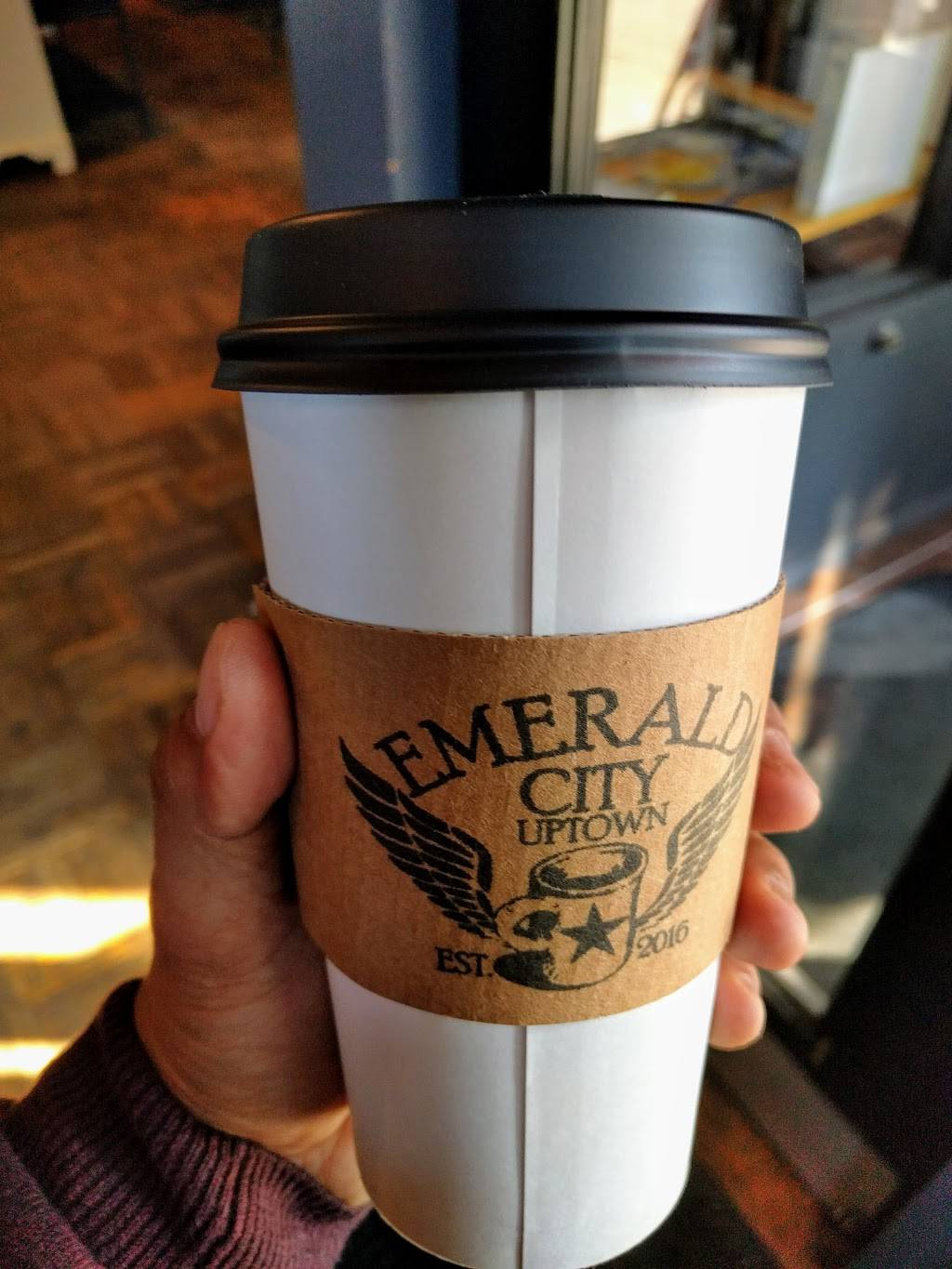 Emerald City Uptown   cafe   1224 W Wilson Ave, Chicago, IL 60640, USA   7738573041 OR +1 773-857-3041
