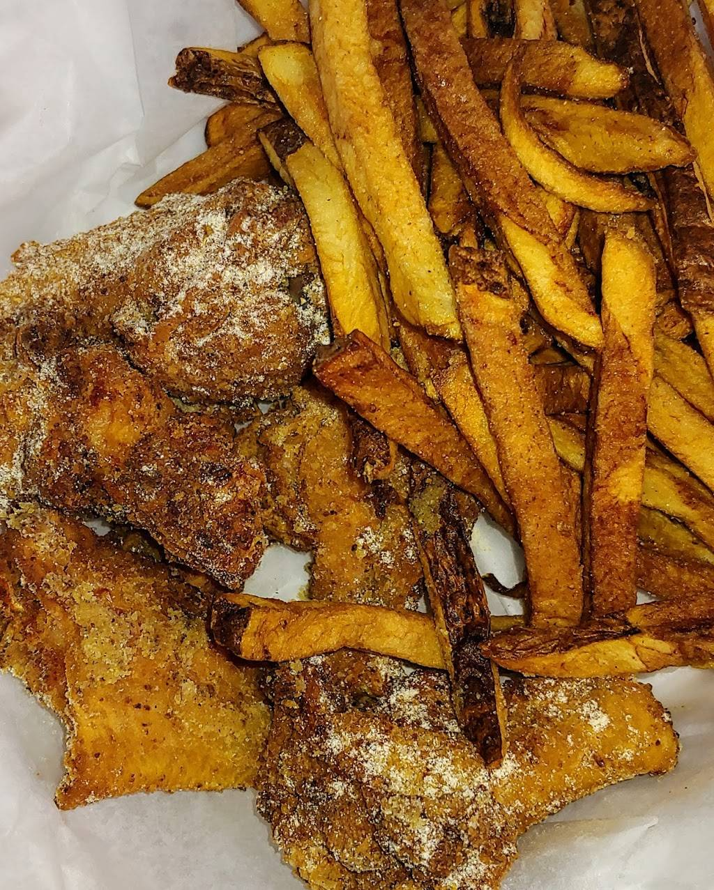 Chillaxx | restaurant | 918 Cherry Ave NE, Canton, OH 44704, USA | 3309158741 OR +1 330-915-8741
