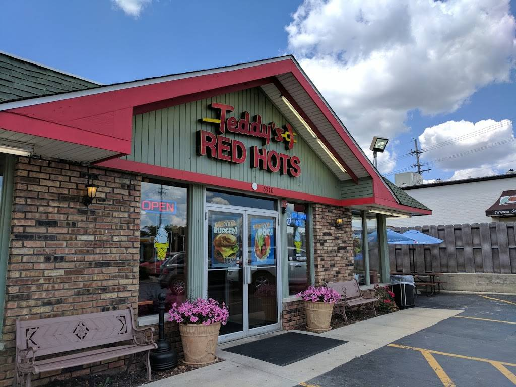 Teddys Red Hots | restaurant | 6310 Main St, Downers Grove, IL 60516, USA | 6309688444 OR +1 630-968-8444