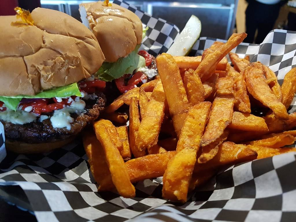 The Cookstown Pub Co | restaurant | 52 Queen St W, Cookstown, ON L0L 1L0, Canada | 7052912000 OR +1 705-291-2000