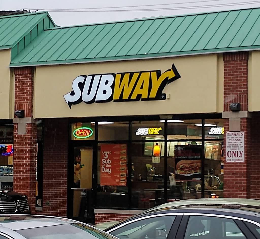 Subway Restaurants | restaurant | 5062 N Sheridan Rd, Chicago, IL 60640, USA | 7735613800 OR +1 773-561-3800