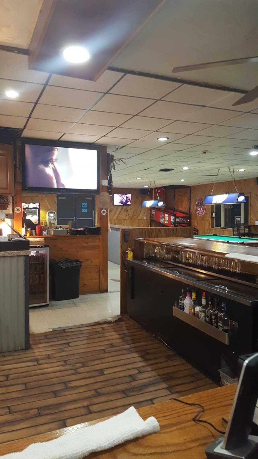 The Ranch Burgers Brew and BBQ | restaurant | N3706 County Road N P, Rubicon, WI 53078, USA | 2624572727 OR +1 262-457-2727