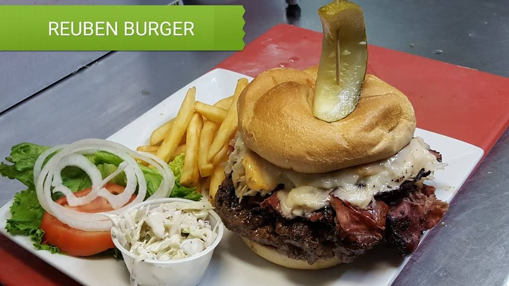 Ivoryton Tavern and Cafe | restaurant | 8 Summitt Street, Ivoryton, CT 06442, USA | 8607671449 OR +1 860-767-1449