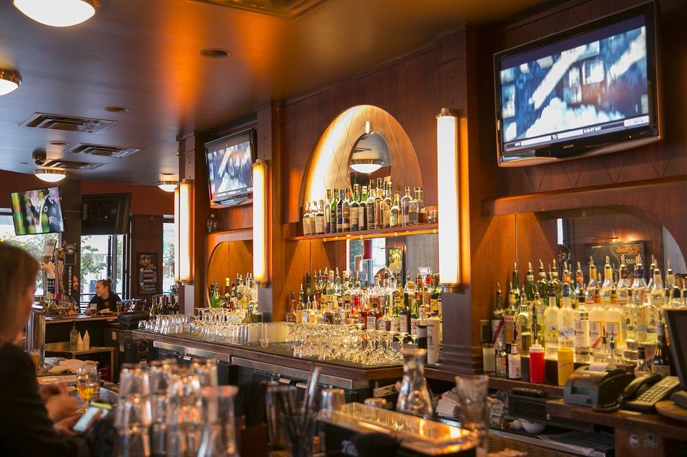 Fat Cat Restaurant & Bar   restaurant   4840 N Broadway, Chicago, IL 60613, USA   7735063100 OR +1 773-506-3100