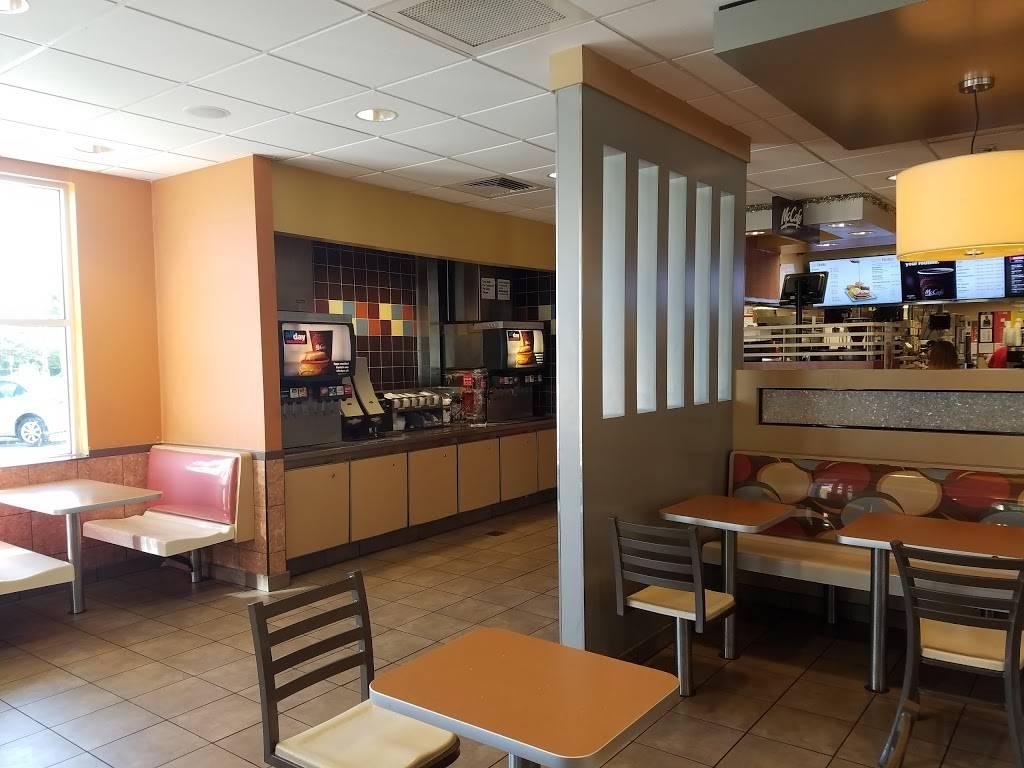 McDonalds | cafe | 2880 NE 8th St, Homestead, FL 33033, USA | 3052429774 OR +1 305-242-9774