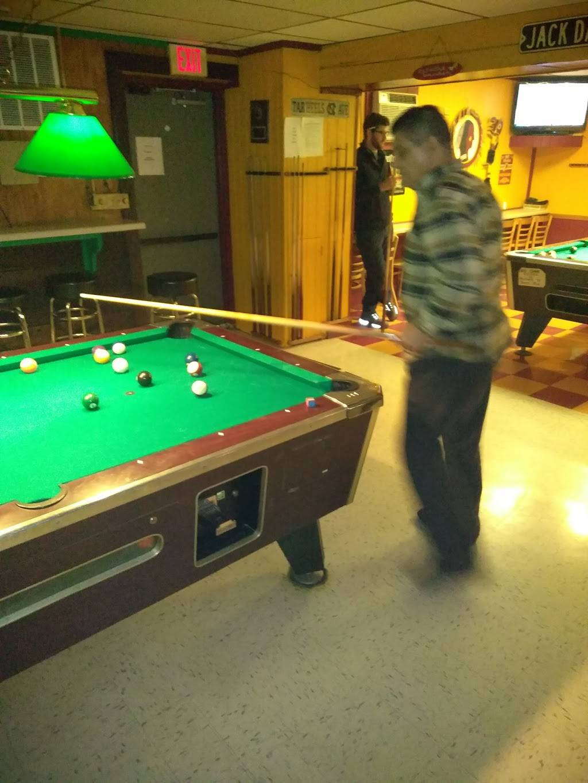The Filling Station Sports bar & Grill | night club | 2217 Williamson Rd NE, Roanoke, VA 24012, USA | 5403622185 OR +1 540-362-2185