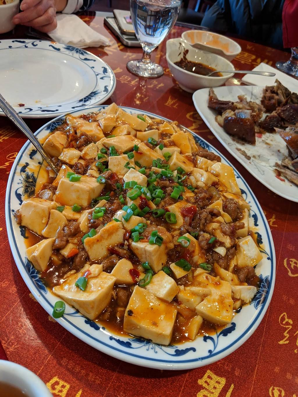 Luckys China Inn | restaurant | 5865 Robert Oliver Pl, Columbia, MD 21045, USA | 4109975454 OR +1 410-997-5454