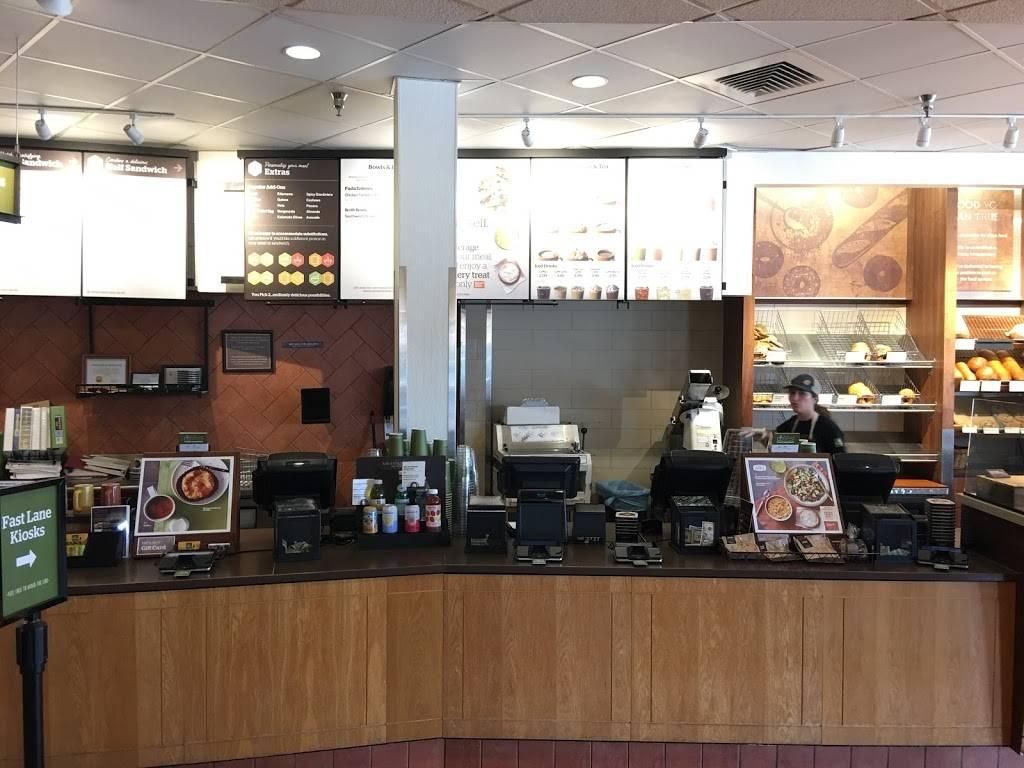 Panera Bread   cafe   90 Biesterfield Rd, Elk Grove Village, IL 60007, USA   8476402602 OR +1 847-640-2602