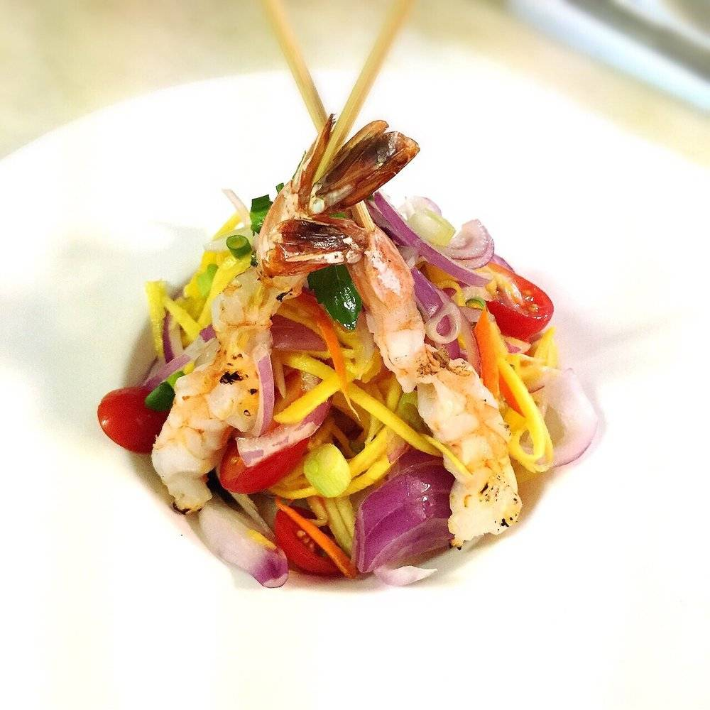 Chatkaew Thai Cuisine | restaurant | 4 E Palisade Ave, Englewood, NJ 07631, USA | 2018940344 OR +1 201-894-0344