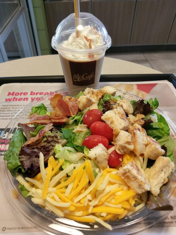 McDonalds | cafe | 1999 Jericho Turnpike, East Northport, NY 11731, USA | 6314999762 OR +1 631-499-9762