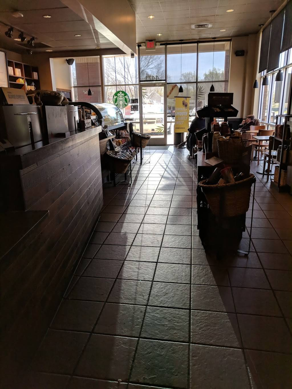 Starbucks   cafe   4471 Cheshire Station Plaza Space 15, Dale City, VA 22193, USA   7037300222 OR +1 703-730-0222
