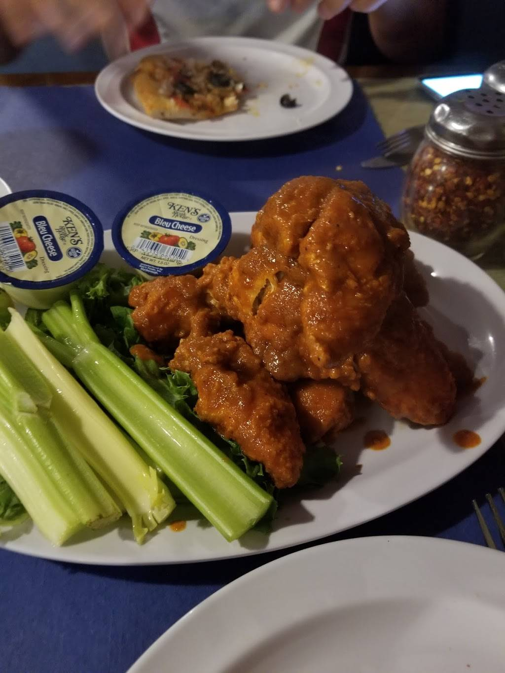 Wings'n'Pies Groton | restaurant | 924 CT-12, Groton, CT 06340, USA | 8604058200 OR +1 860-405-8200