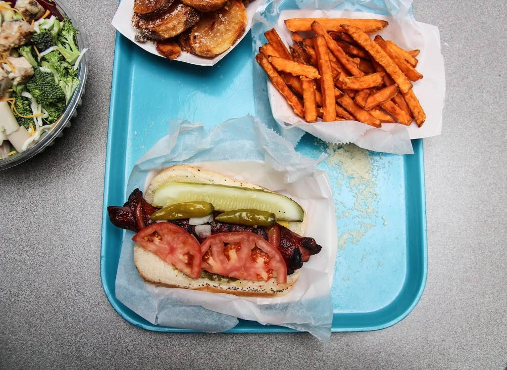 Michaels Chicago-Style Red Hots | meal takeaway | 1879 2nd St, Highland Park, IL 60035, USA | 8474323338 OR +1 847-432-3338