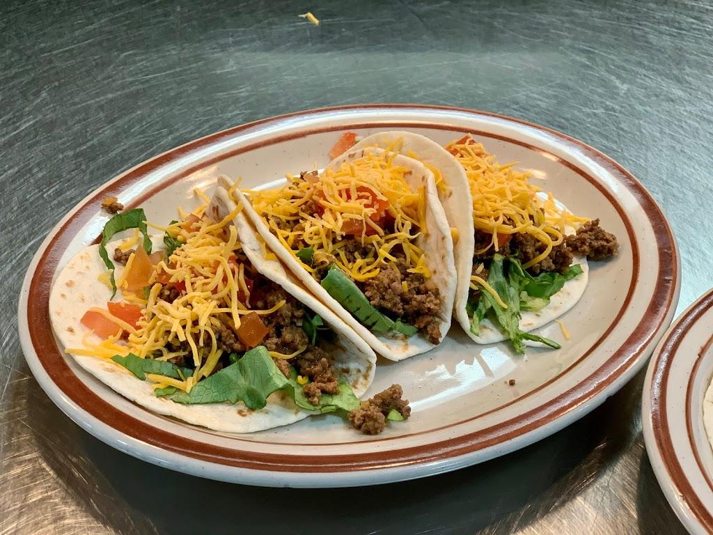 Midpoint Café | restaurant | 1002 15th St, Lawrenceville, IL 62439, USA | 6189437065 OR +1 618-943-7065