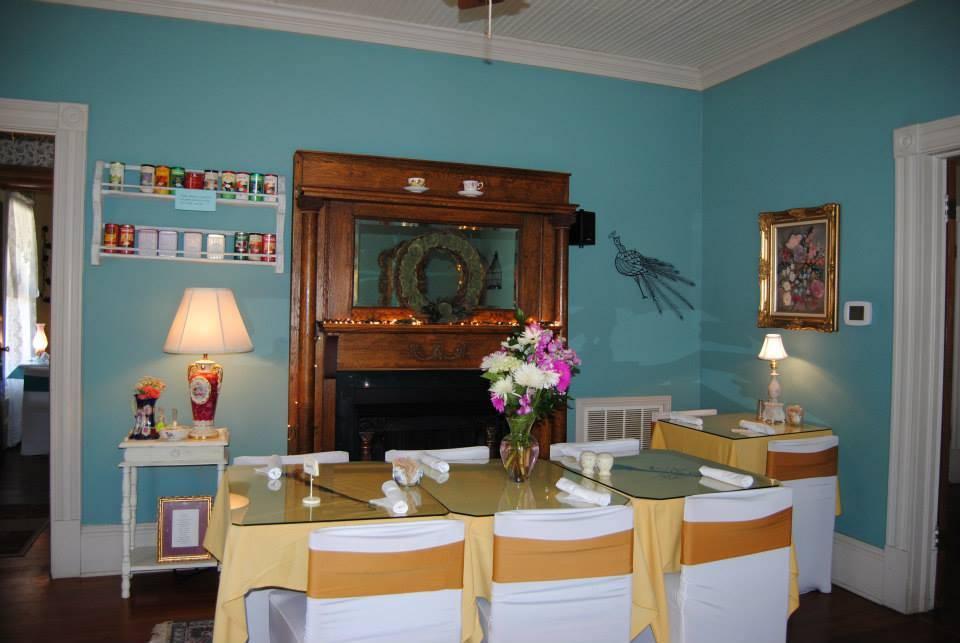 Mae S Vintage Kitchen Restaurant 149 S Main St