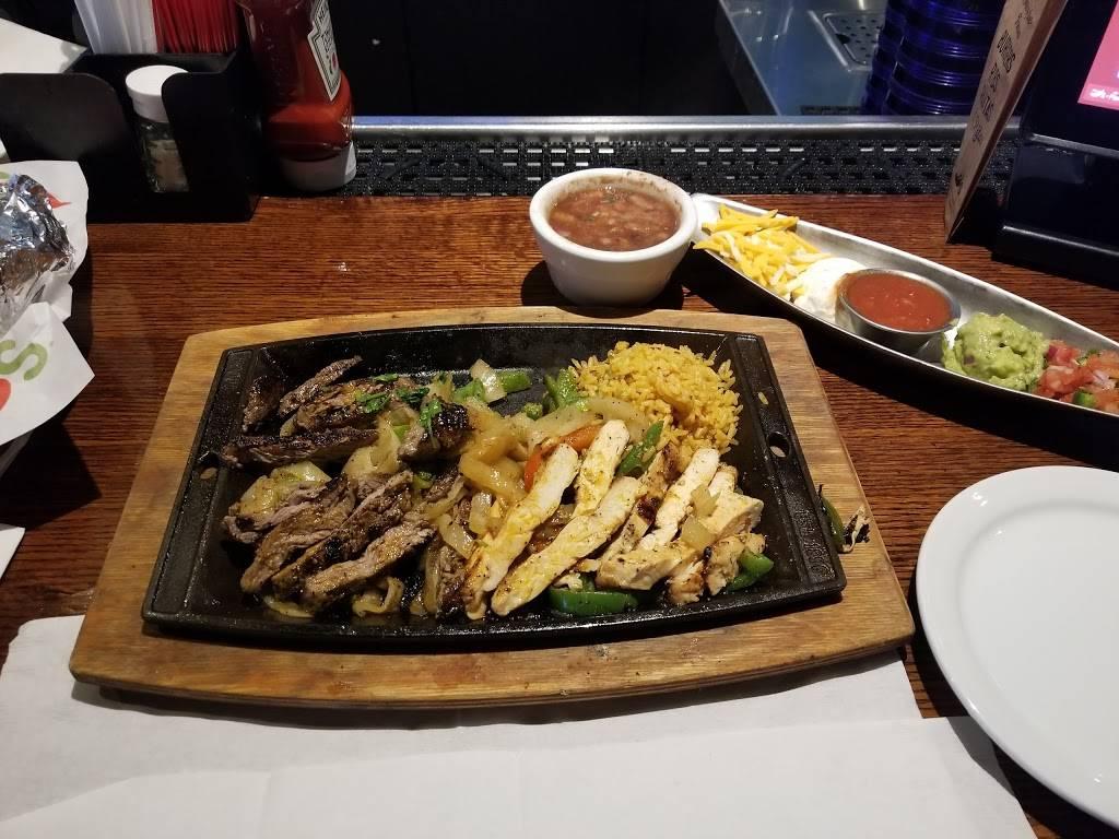 Chilis Grill & Bar | meal takeaway | 40584 US-19, Tarpon Springs, FL 34689, USA | 7279374822 OR +1 727-937-4822