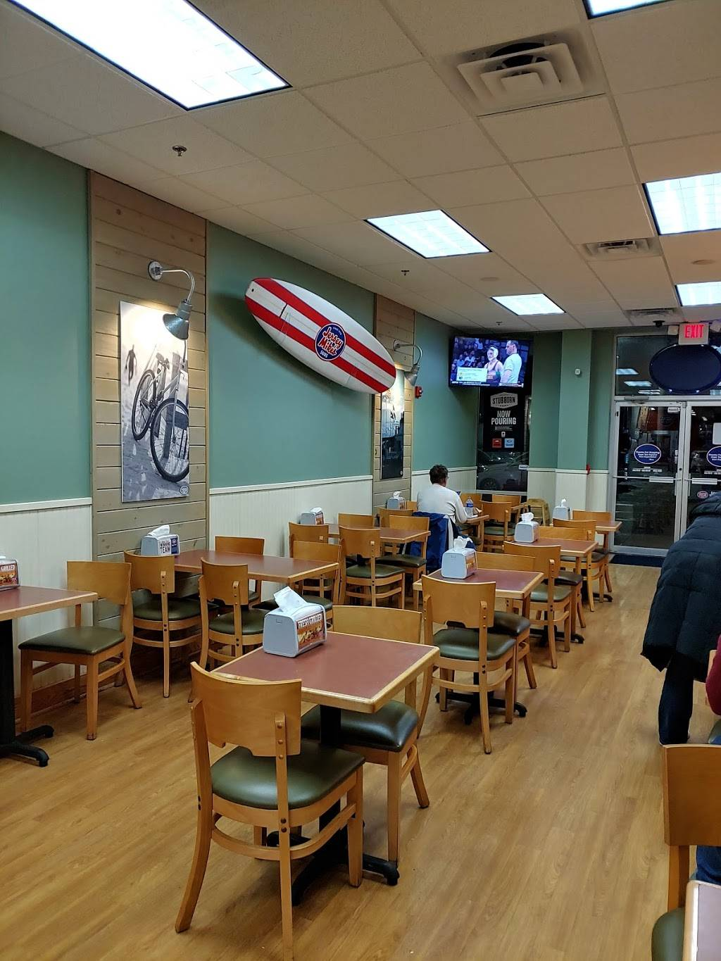 Jersey Mikes Subs | restaurant | 50 NJ-17, East Rutherford, NJ 07073, USA | 2019352088 OR +1 201-935-2088