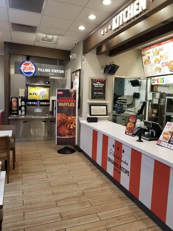 KFC   restaurant   1300 N University Ave, Lafayette, LA 70506, USA   3373668672 OR +1 337-366-8672
