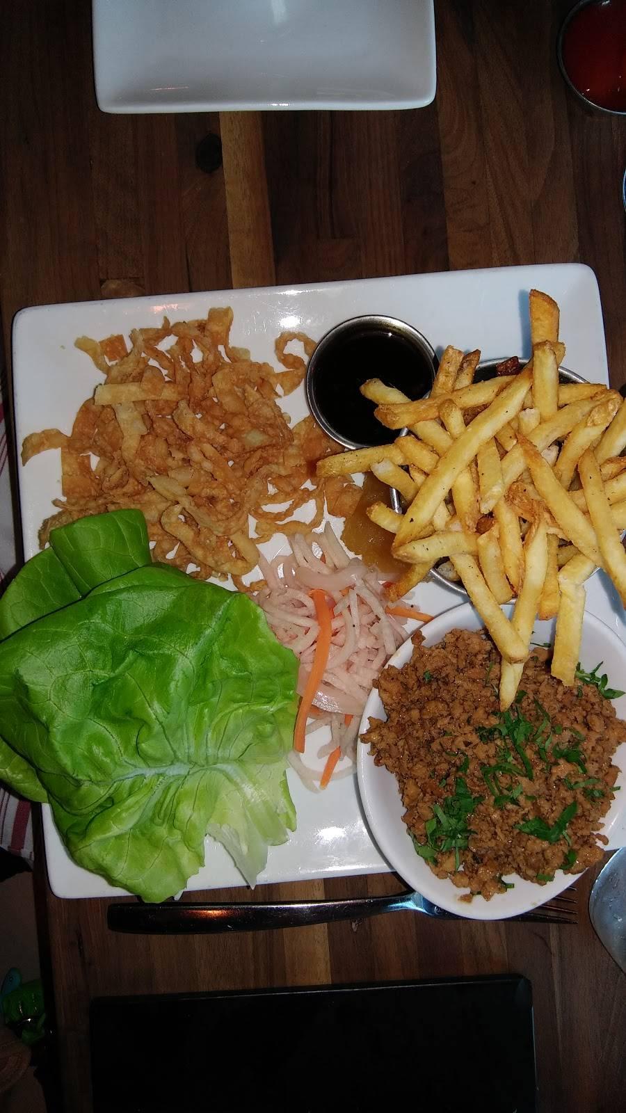 Market Place Kitchen & Bar | restaurant | 32 Church Hill Rd, Newtown, CT 06470, USA | 2034912993 OR +1 203-491-2993