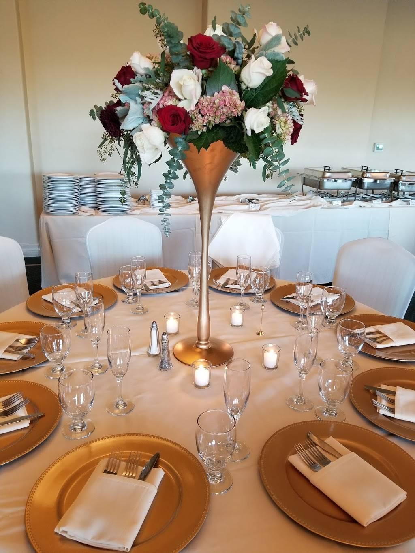 Poplar Creek Grill | restaurant | 1700 Coyote Point Dr, San Mateo, CA 94401, USA | 6505227526 OR +1 650-522-7526