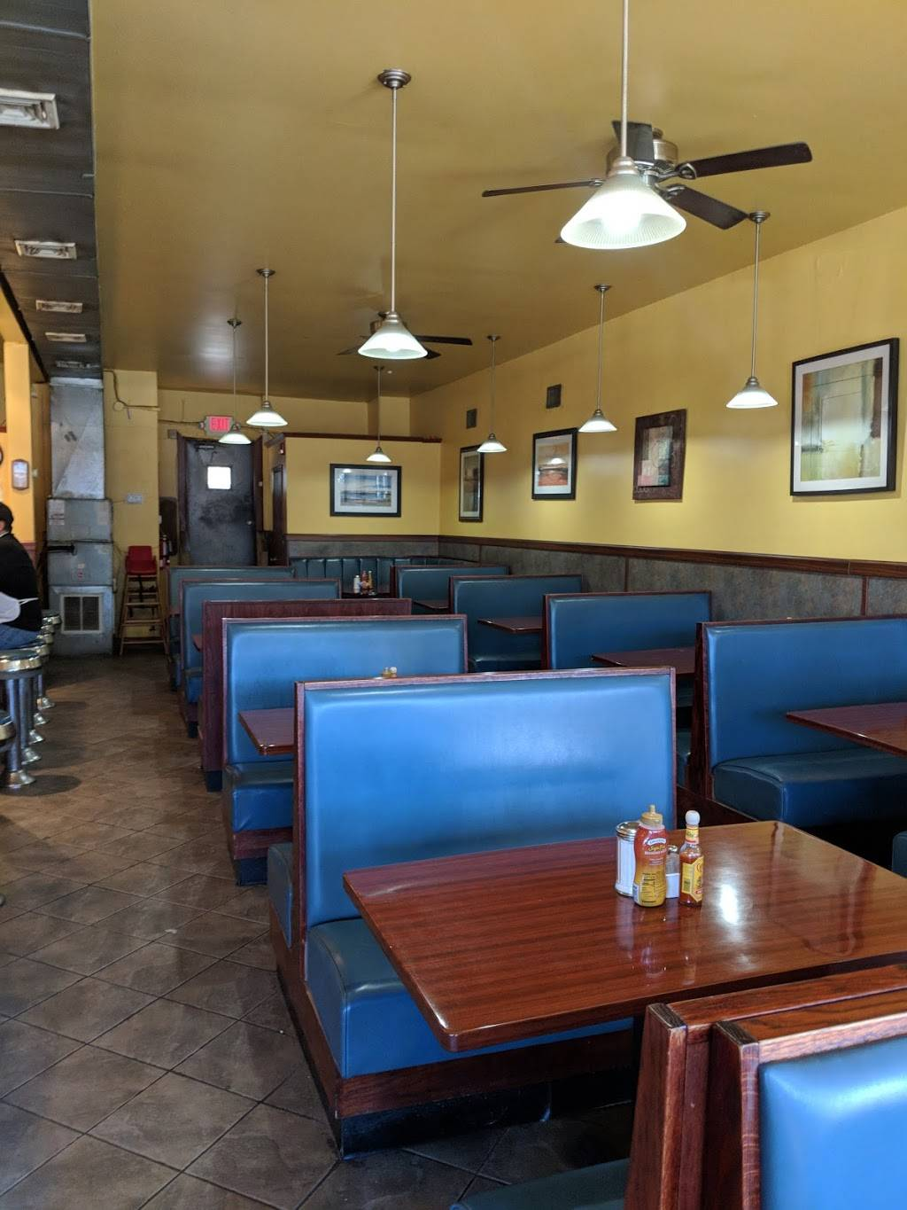 Golden Grill Restaurant | meal takeaway | 1379 Queen Anne Rd, Teaneck, NJ 07666, USA | 2018371078 OR +1 201-837-1078