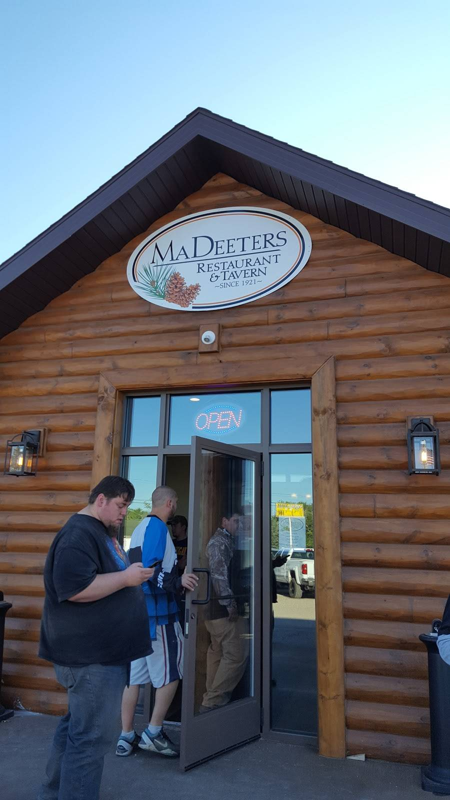 Ma Deeters | restaurant | 2262 Deeter Rd, Luzerne, MI 48636, USA | 9898261013 OR +1 989-826-1013