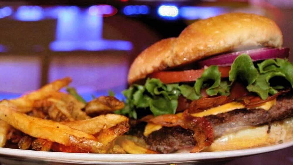 The Line Bar & Grill | night club | 940 E Belt Line Rd, Richardson, TX 75081, USA | 9722318419 OR +1 972-231-8419