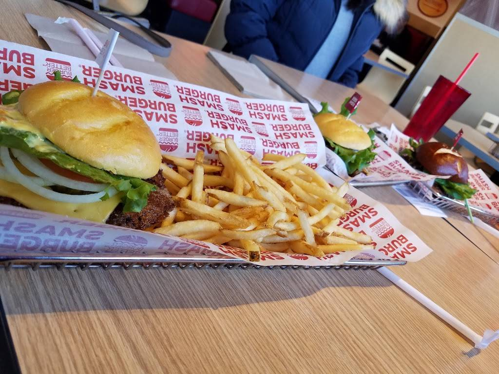 Smashburger   restaurant   115 W Rand Rd, Arlington Heights, IL 60004, USA   2242328323 OR +1 224-232-8323