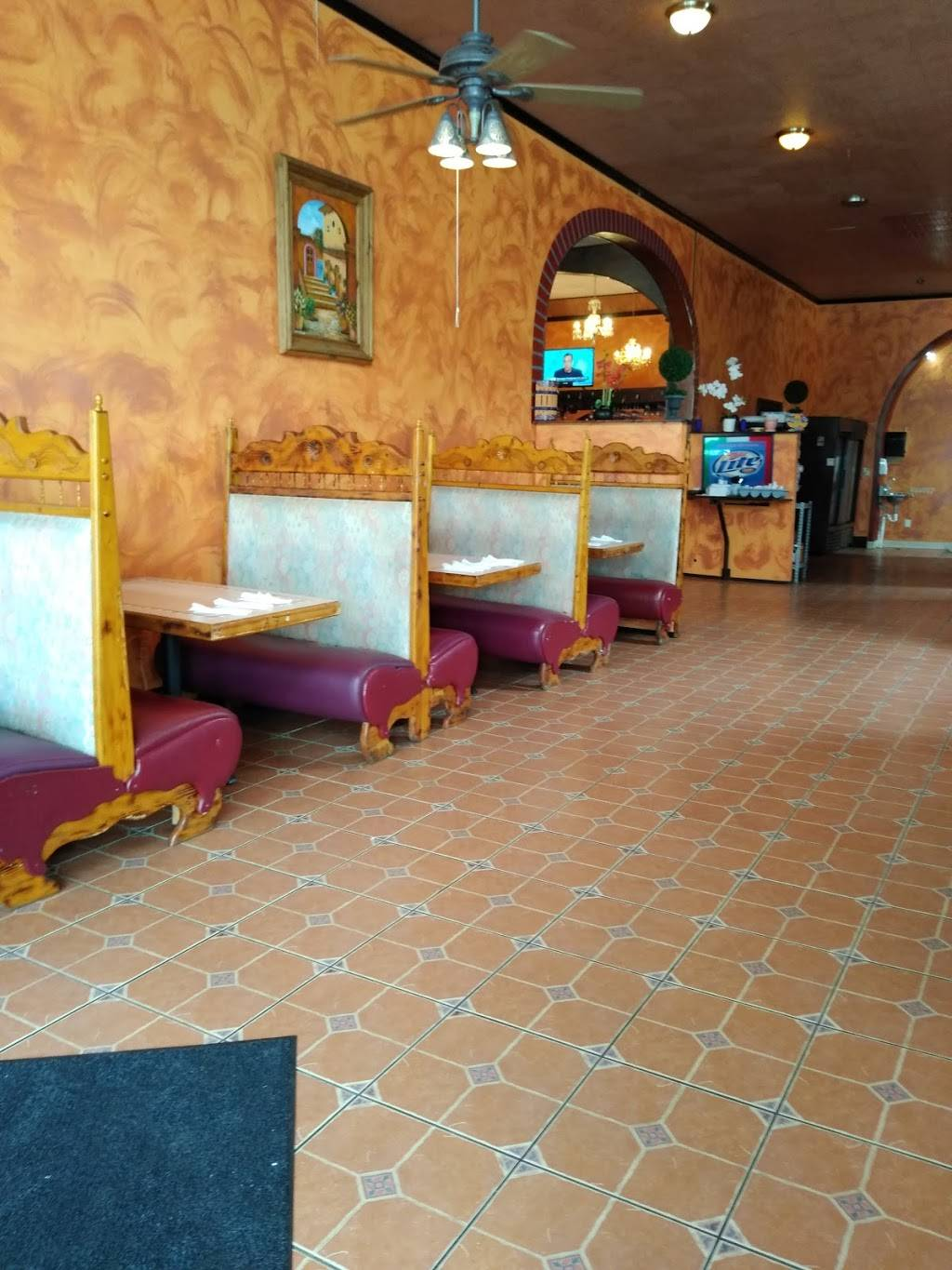 Los tres agaves Mexican grill | restaurant | 300 W Main St, Anamosa, IA 52205, USA | 3194620795 OR +1 319-462-0795