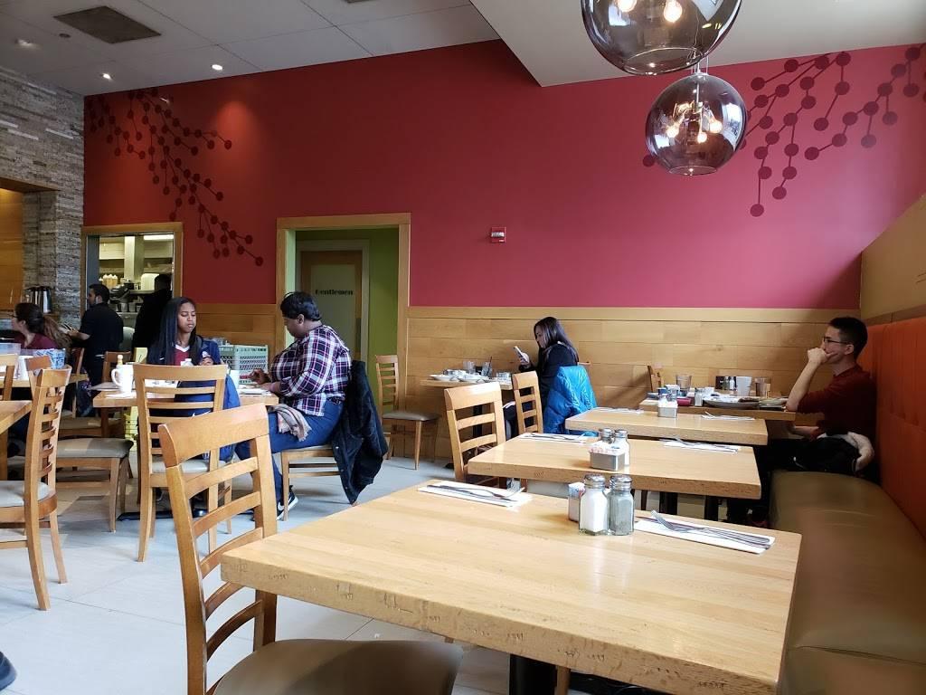 Wildberry Pancakes & Cafe | cafe | 130 E Randolph St, Chicago, IL 60601, USA | 3129389777 OR +1 312-938-9777