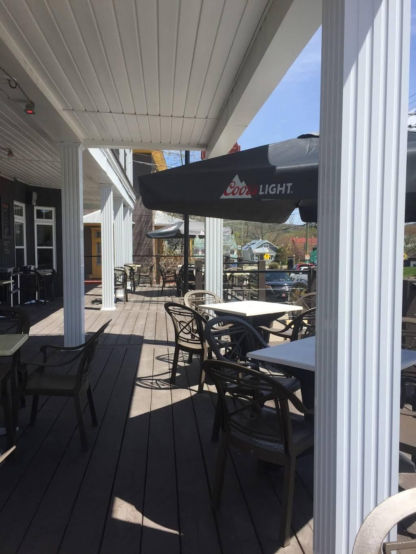 Auberge Emélie | restaurant | 331 Rue Principale, Sainte-Émélie-de-lÉnergie, QC J0K 2K0, Canada | 4508860928 OR +1 450-886-0928