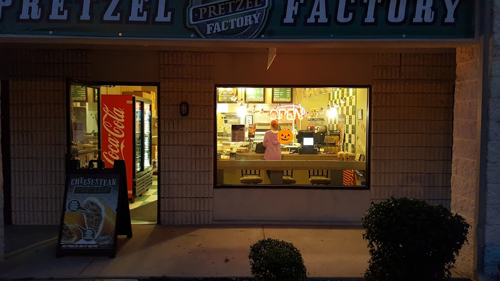 Philly Pretzel Factory   bakery   Plaza Shoppes, 110 White Horse Rd W, Voorhees Township, NJ 08043, USA   8567830860 OR +1 856-783-0860